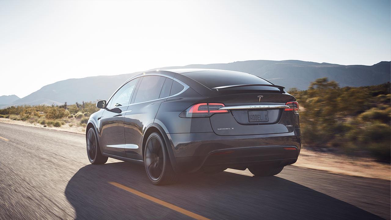 Tesla Model X - Heckansicht