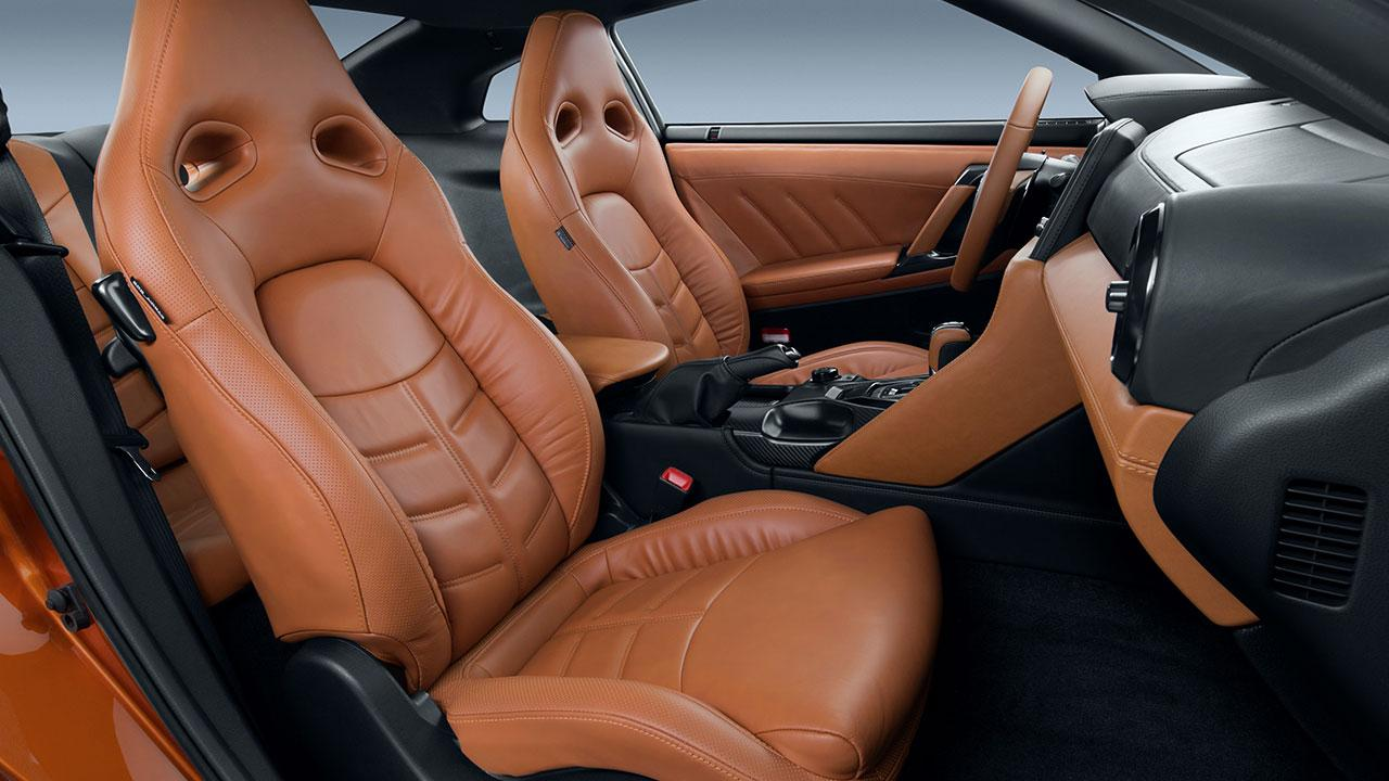 Nissan GT-R - Cockpit