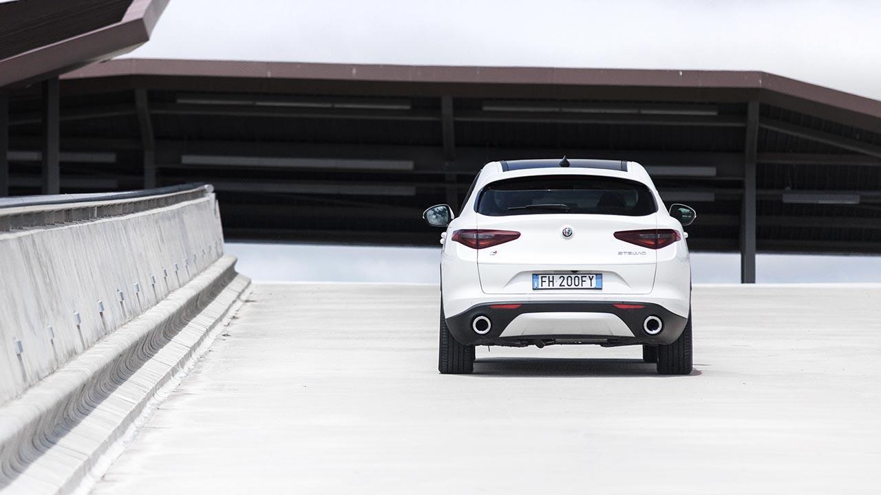 Alfa Romeo Stelvio - Heckansicht