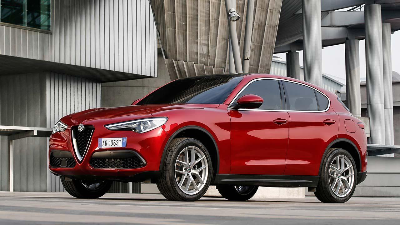 Alfa Romeo Stelvio - Seitenansicht in Rot