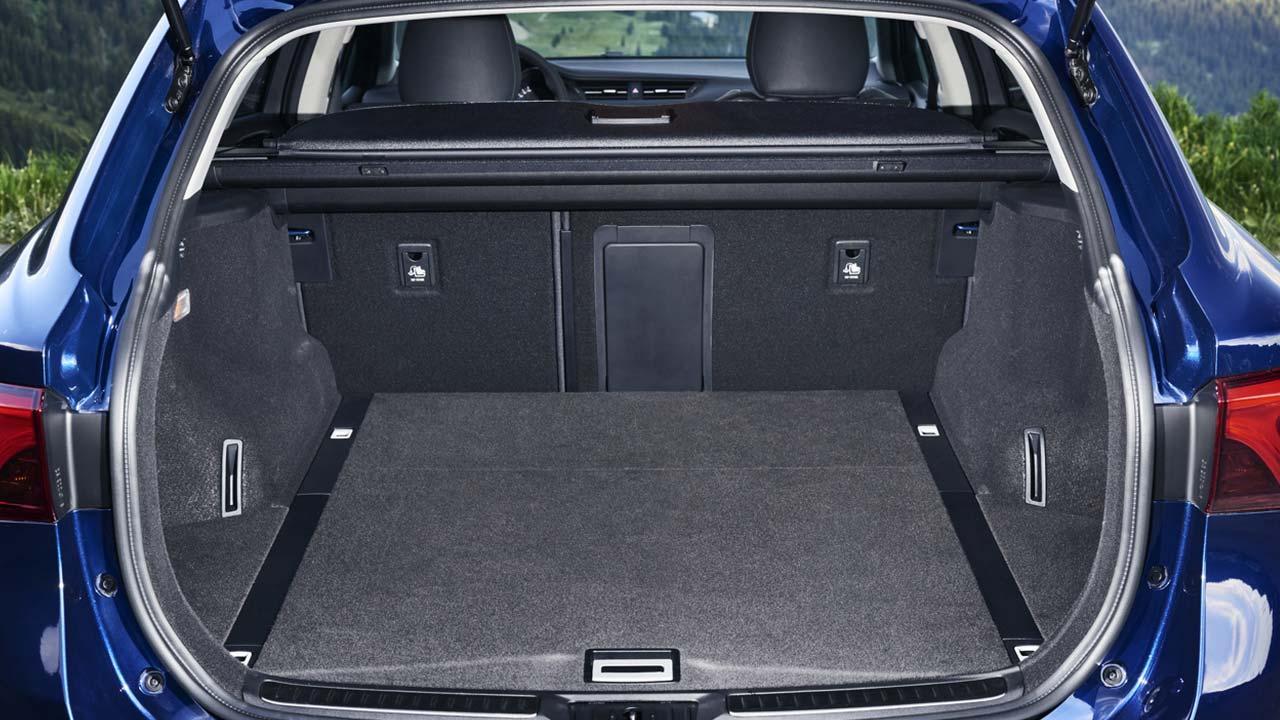 Toyota Avensis - Kofferraum