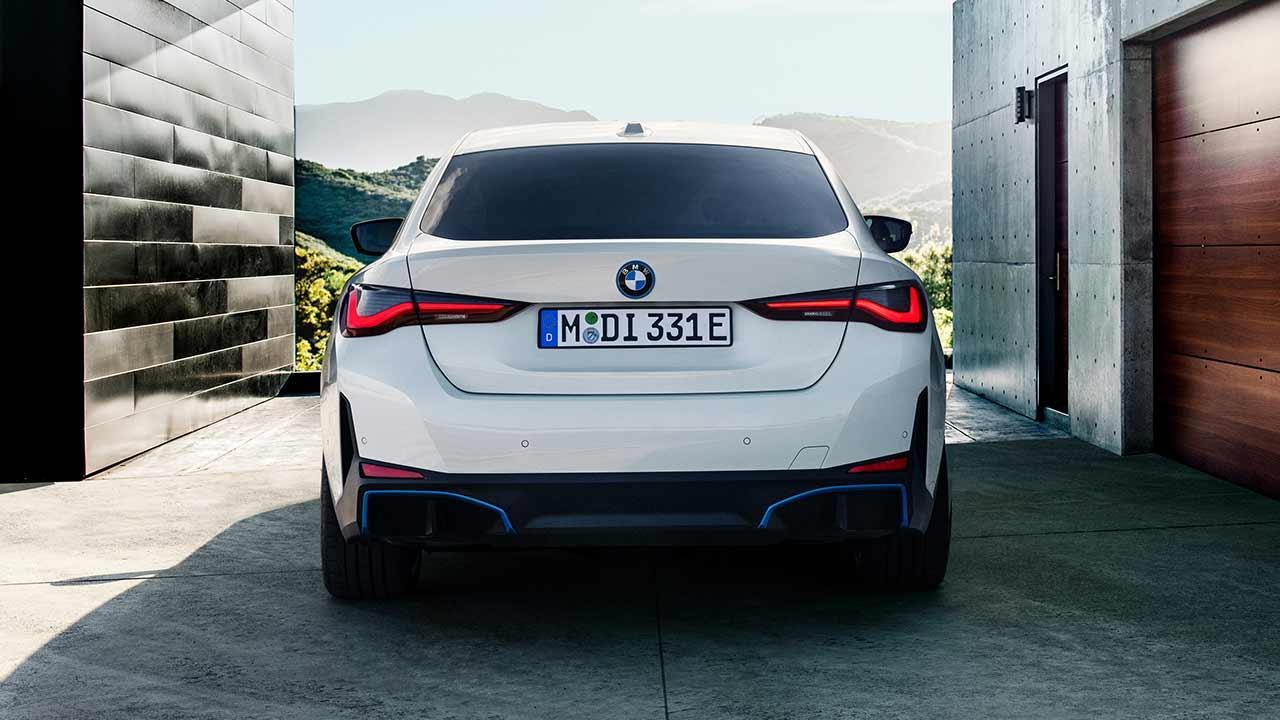 Der BMW i4 - Heckansicht