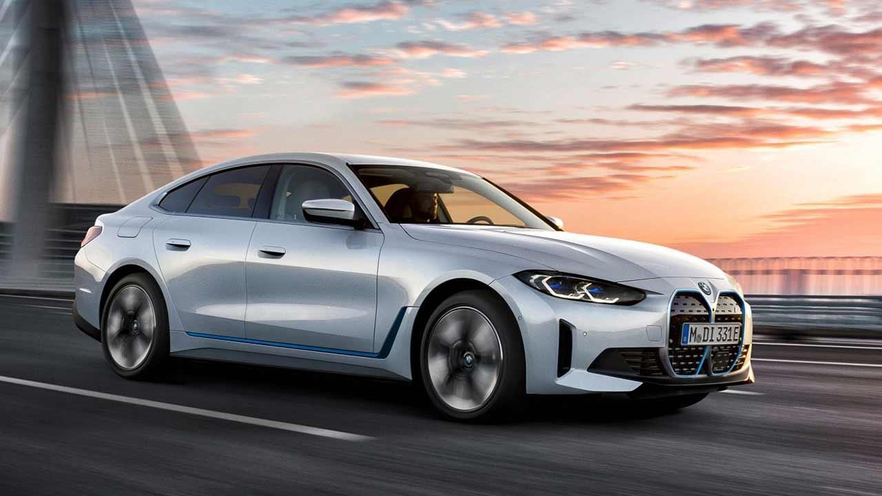 Der BMW i4 - Seitenansicht