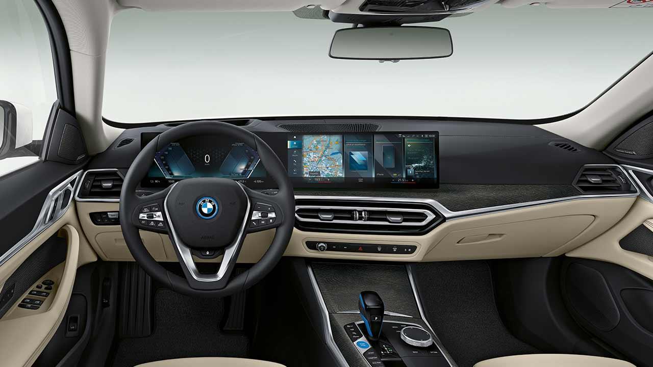 Der BMW i4 - Cockpit
