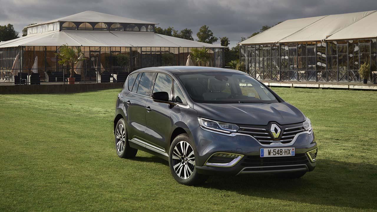 Renault Espace - auf der Wiese