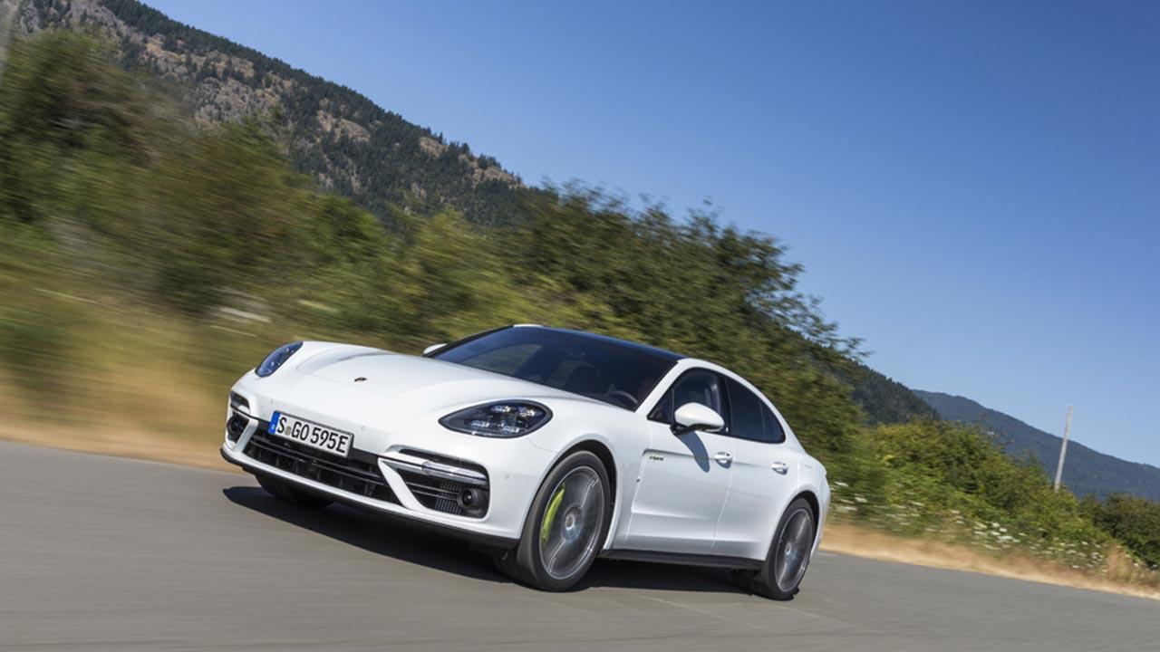 Porsche Panamera Turbo S E-Hybrid - auf der Landstraße