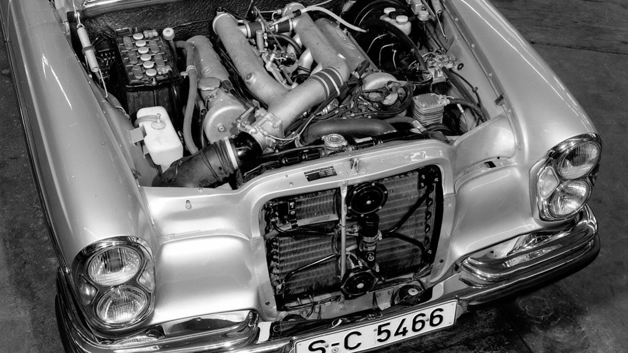 Mercedes-Benz 300 SEL 6.3  - Motor