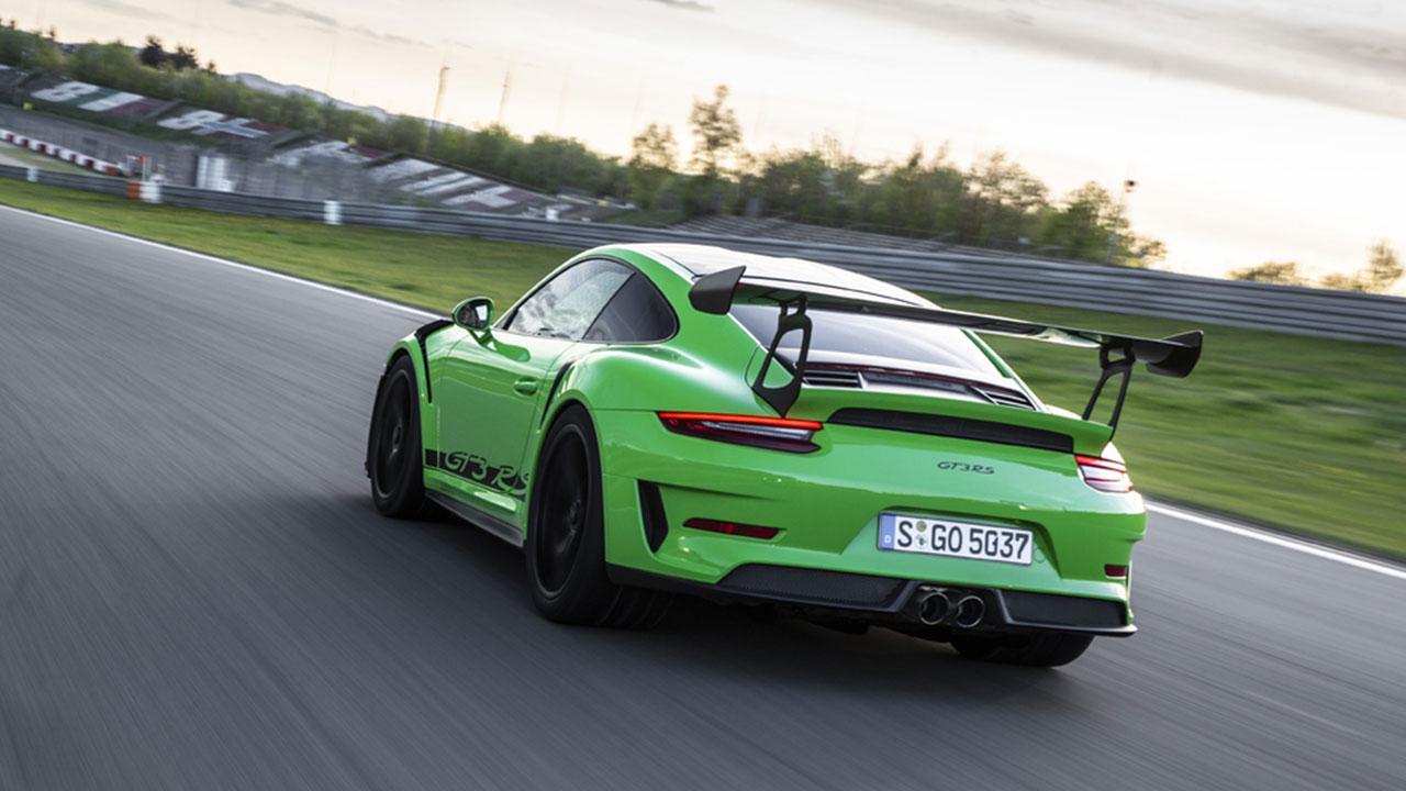 Porsche 911 GT3 RS - in Grün von Hinten