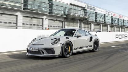 Porsche 911 GT3 RS - über die Ziellinie