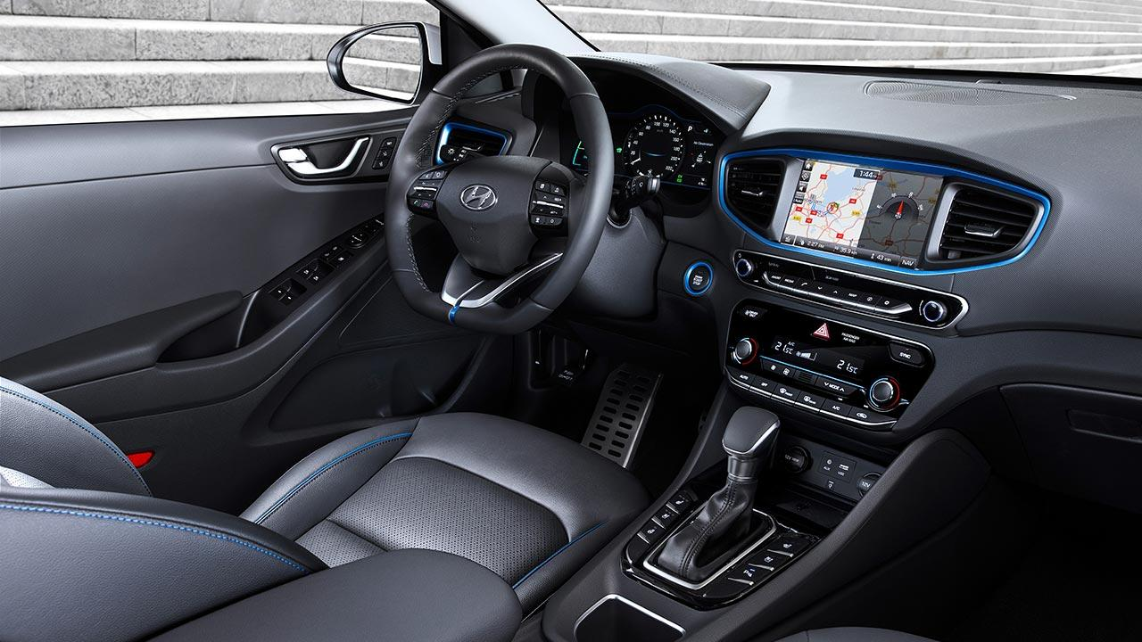 Hyundai Ioniq Hybrid - Cockpit