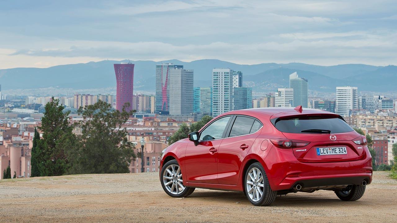 Mazda3 Sport - Blick auf die Stadt