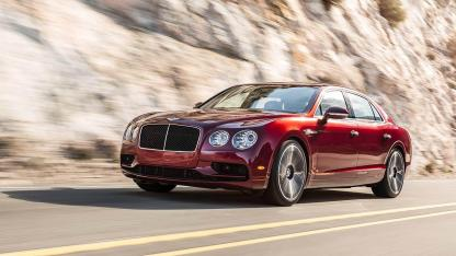 Bentley Flying Spur V8 - seitliche Frontansicht