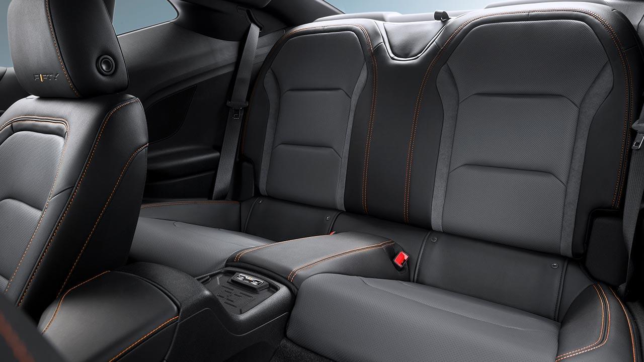 Chevrolet Camaro Cabrio - Rücksitze