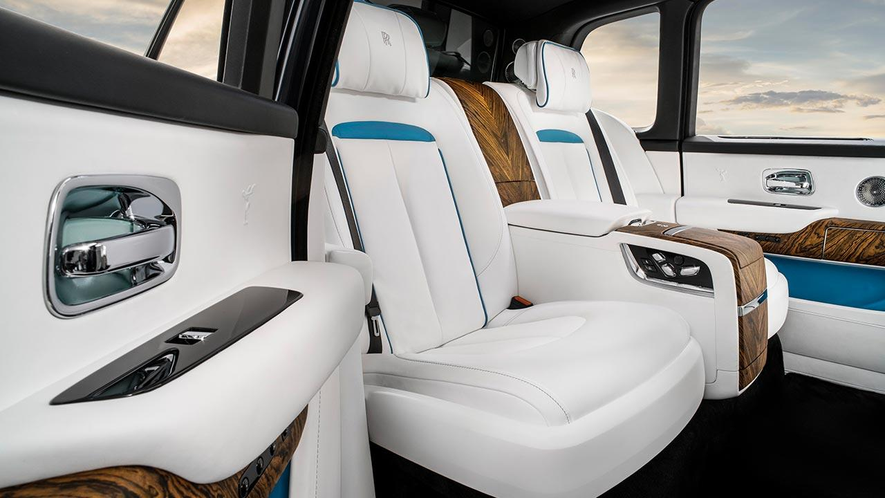 Rolls Royce Cullinan - weißer Innenraum