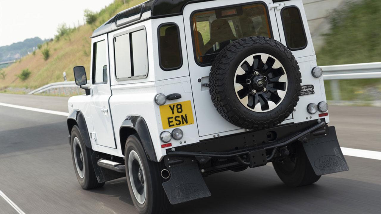 Land Rover Defender - Heckansicht