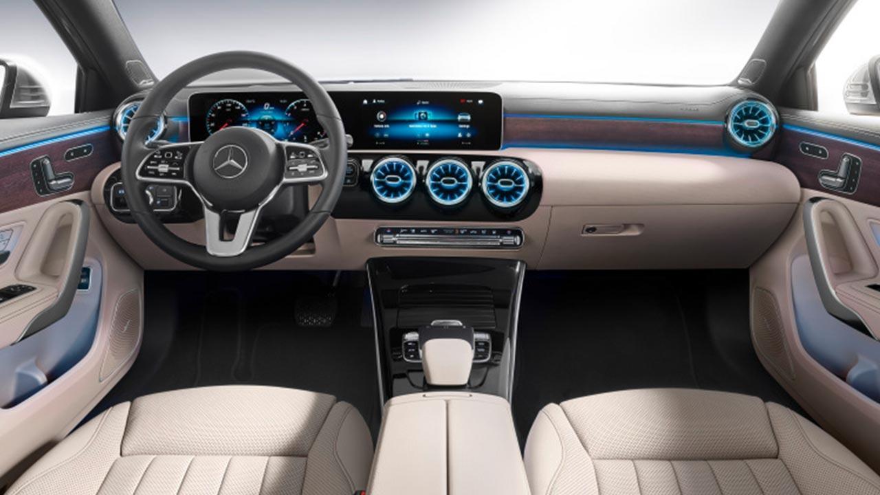 Mercedes A-Klasse - helles Cockpit