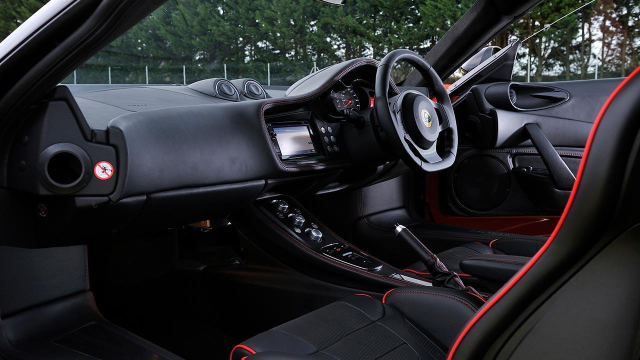 Lotus Evora IPS - Cockpit