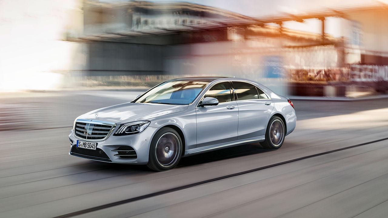 Mercedes-Benz S-Klasse - in voller Fahrt