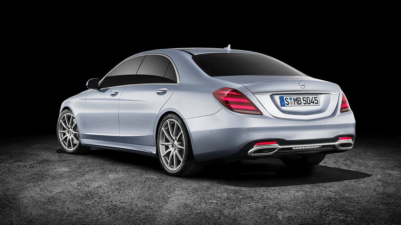 Mercedes-Benz S-Klasse - seitliche Heckansicht