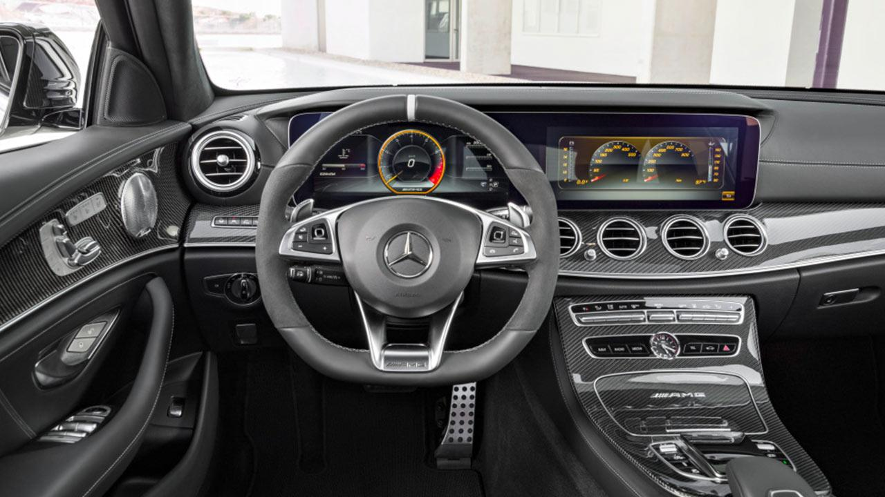 Mercedes-AMG E 63 S 4MATIC+ T-Modell - Cockpit