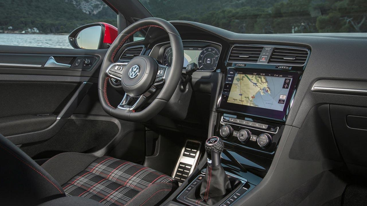 Volkswagen Golf GTI - Cockpit