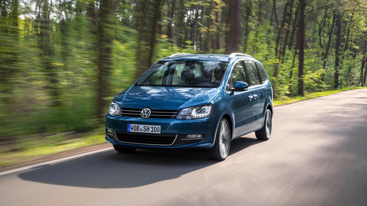 Volkswagen Sharan - in voller Fahrt