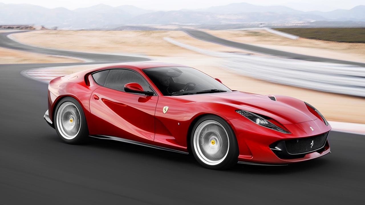Ferrari 812 Superfast - in voller Fahrt
