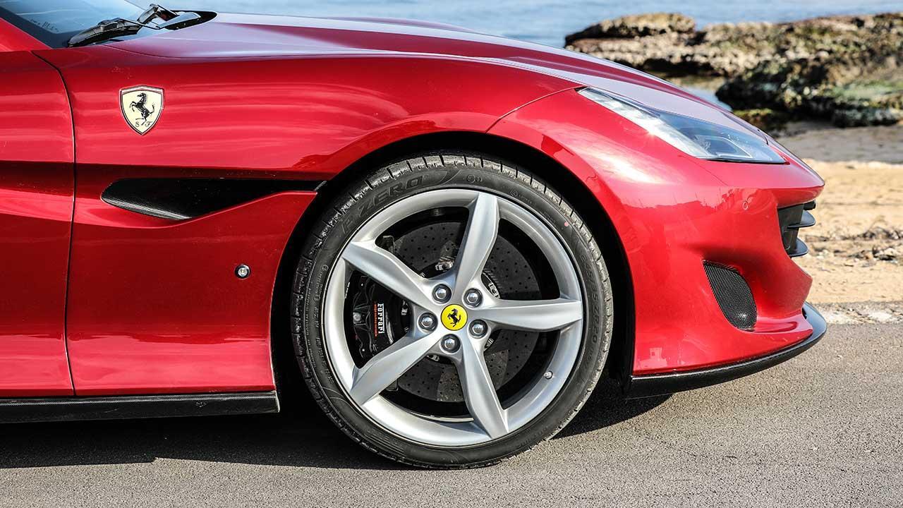 Ferrari Portofino Cabrio - Vorderreifen