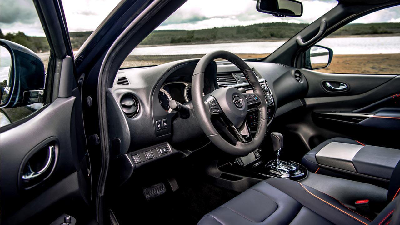 Nissan Navara - Cockpit
