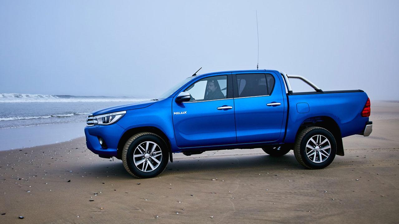 Toyota Hilux - am Strand