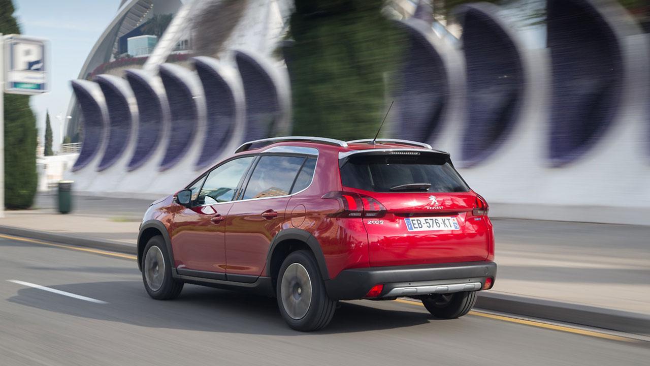 Peugeot 2008 -  auf der Straße