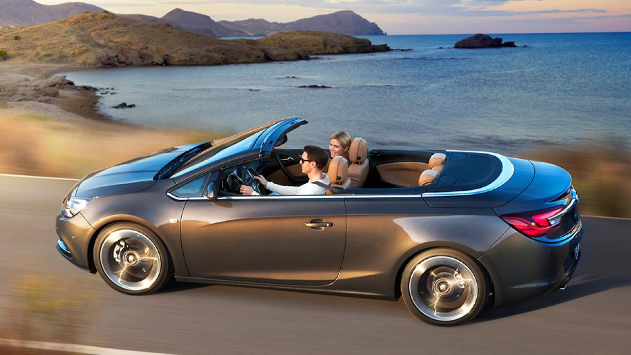 Opel Cascada - mit offenem Verdeck