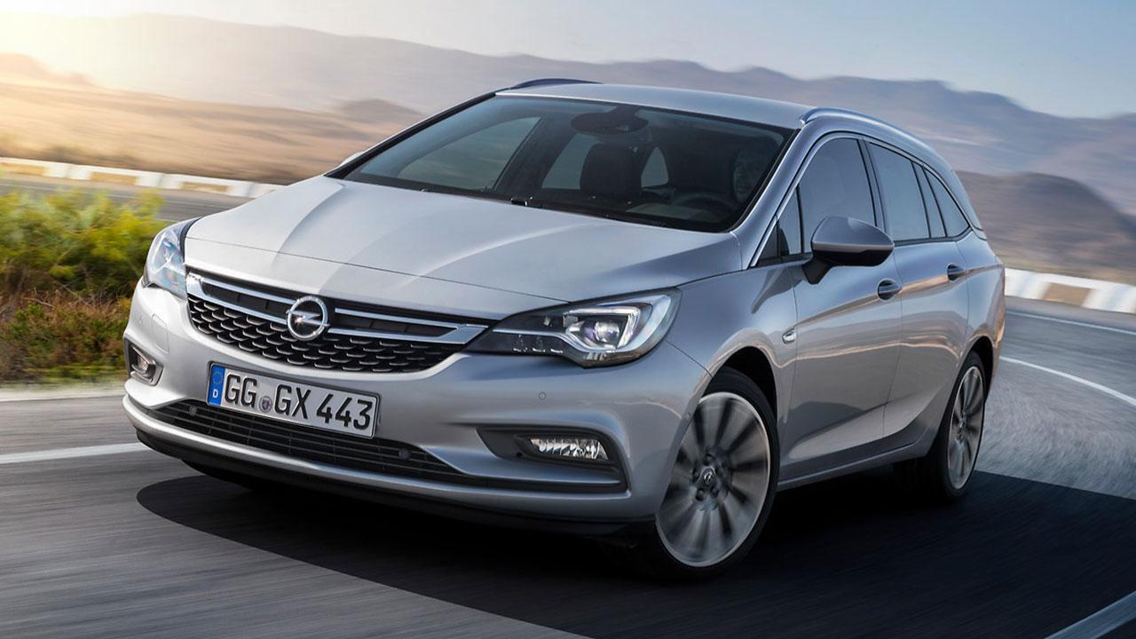 Opel Astra Sports Tourer - in voller Fahrt