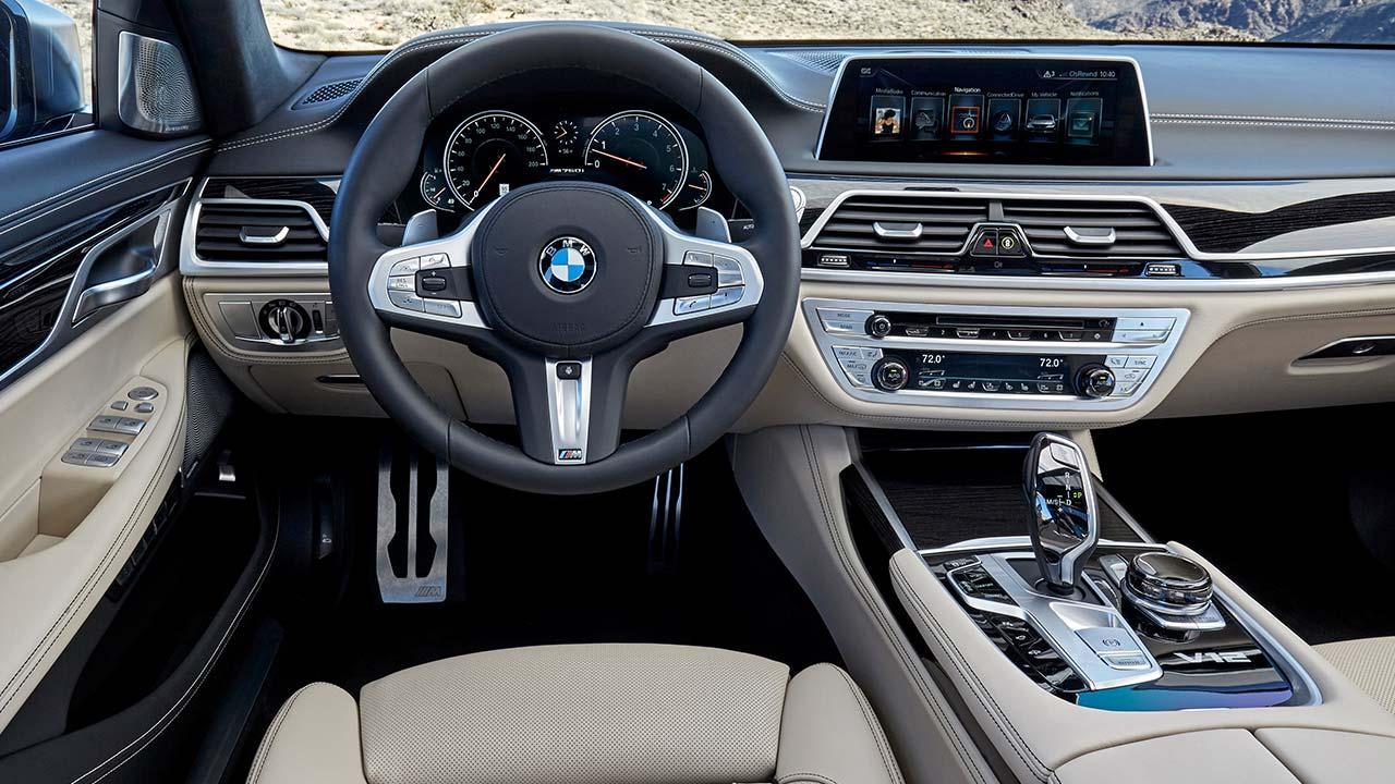 BMW M760Li xDrive 2017 - Cockpit