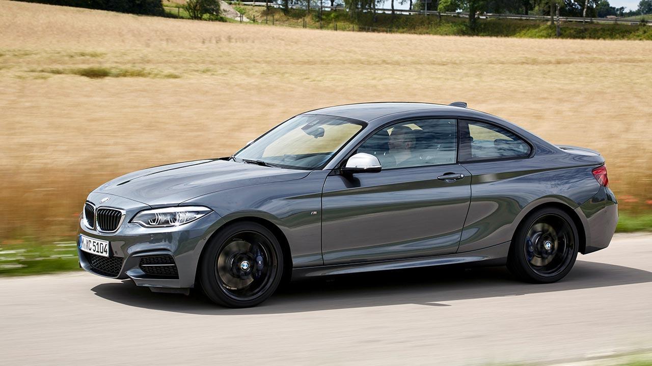 BMW 2er Coupé - auf der Landstraße