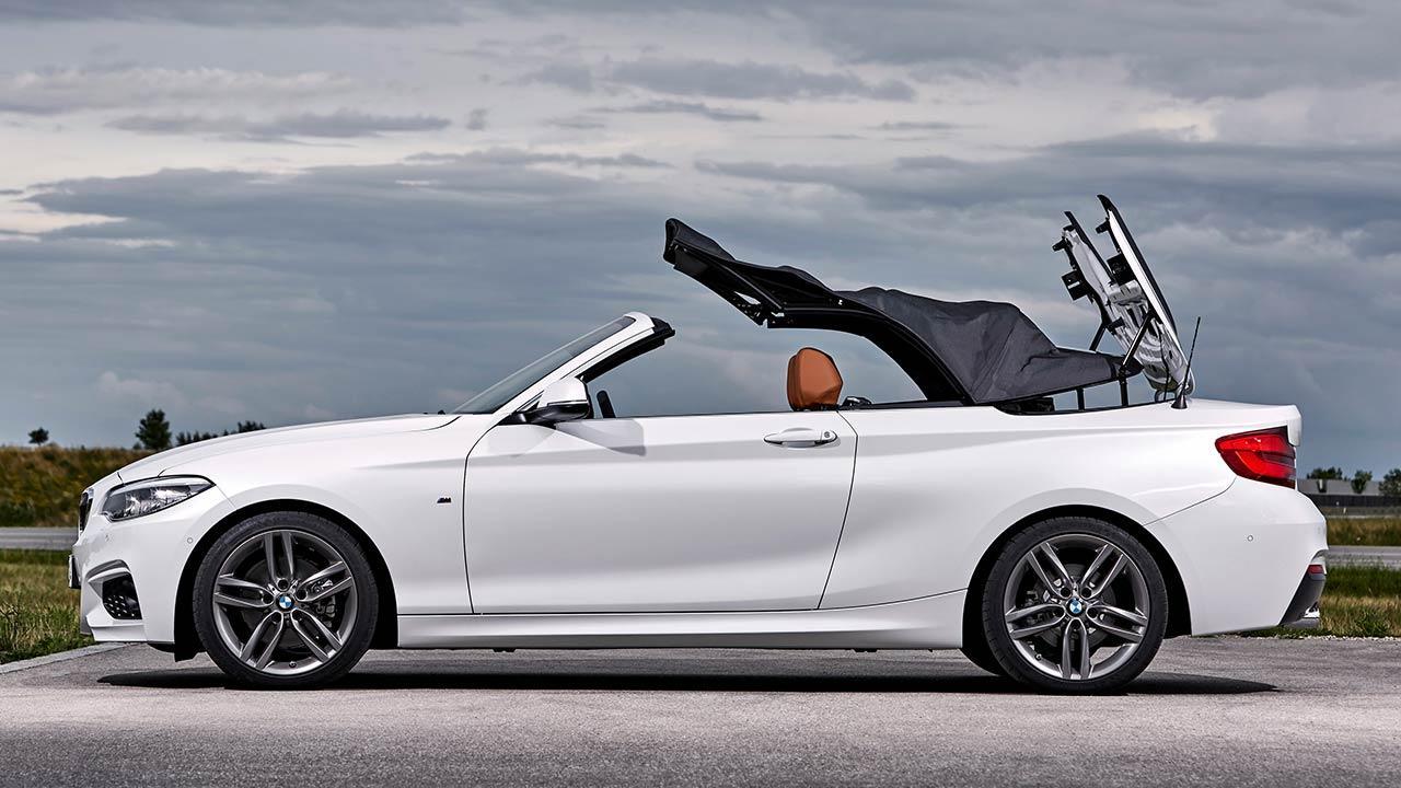 BMW 2er Cabrio - Verdeck öffnet