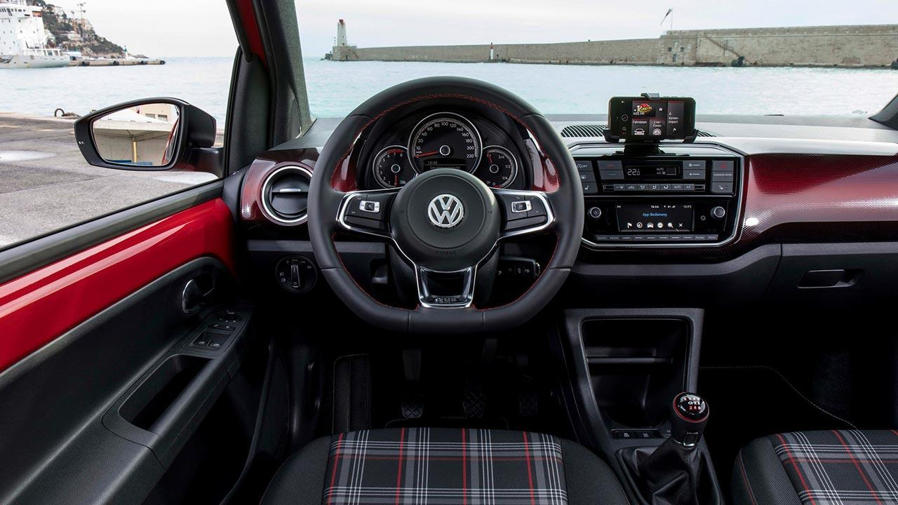 Volkswagen up! GTI - Cockpit