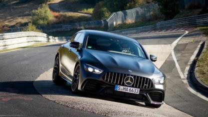 Mercedes-AMG GT 4-Türer Coupé - in voller Fahrt