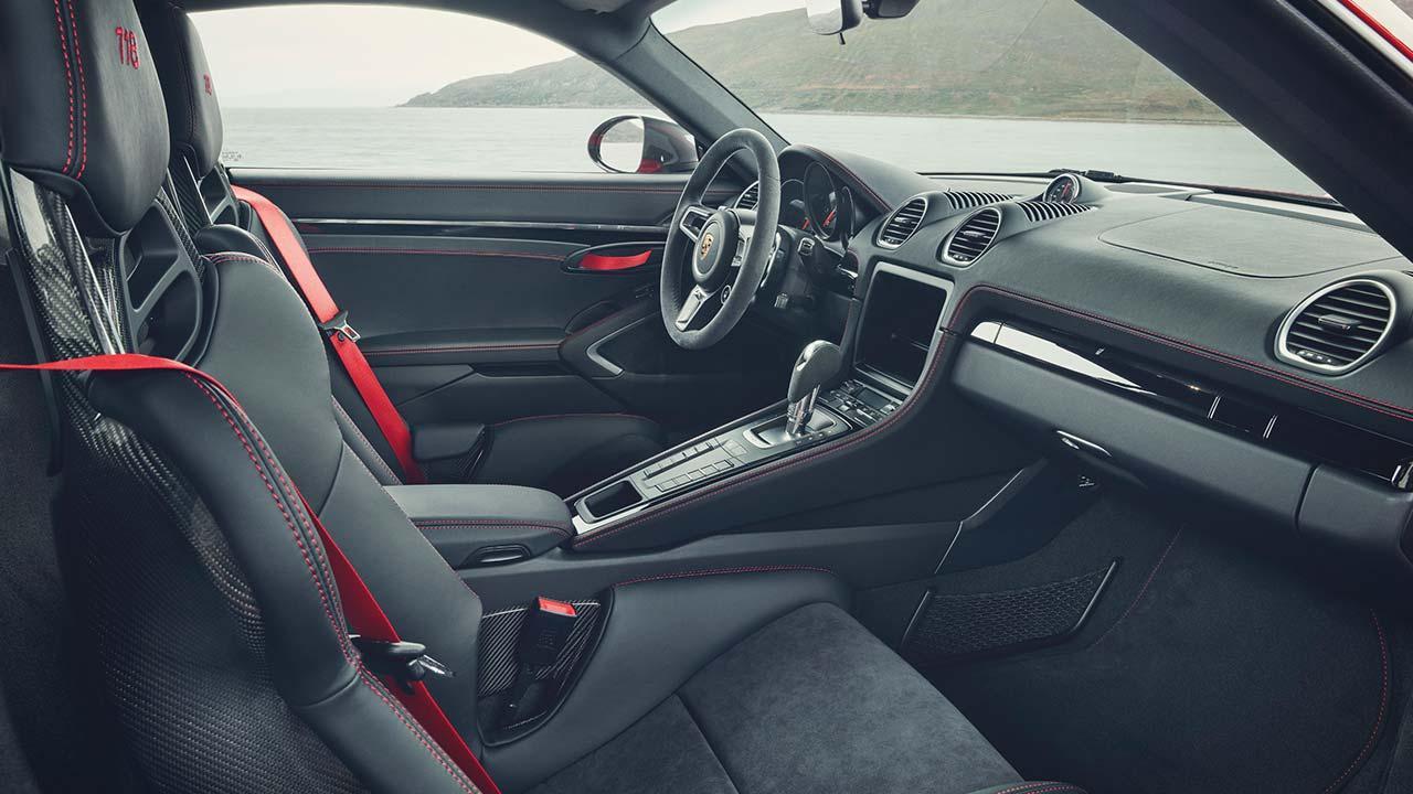 Porsche 718 Cayman T - Cockpit
