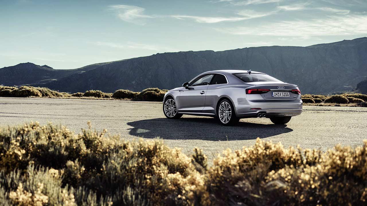 Audi A5 Coupè 2019 - seitliche Heckansicht