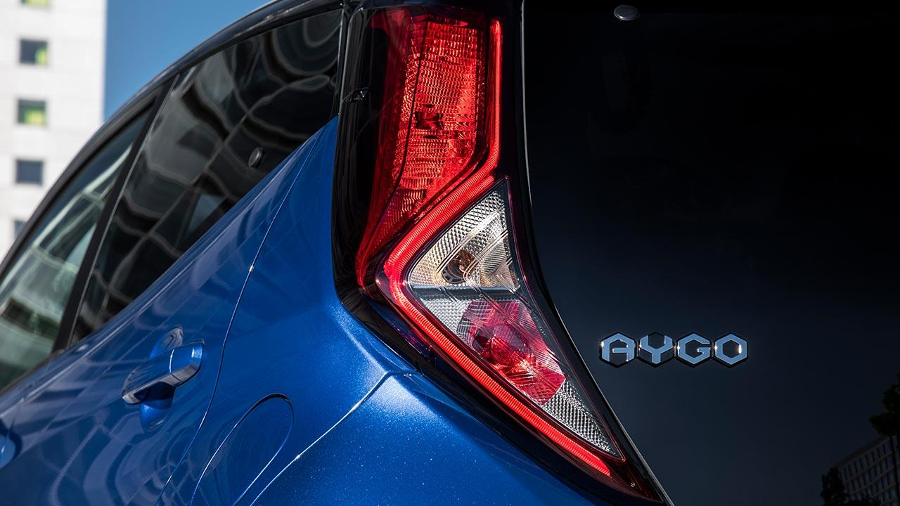 Toyota Aygo - Namenszug