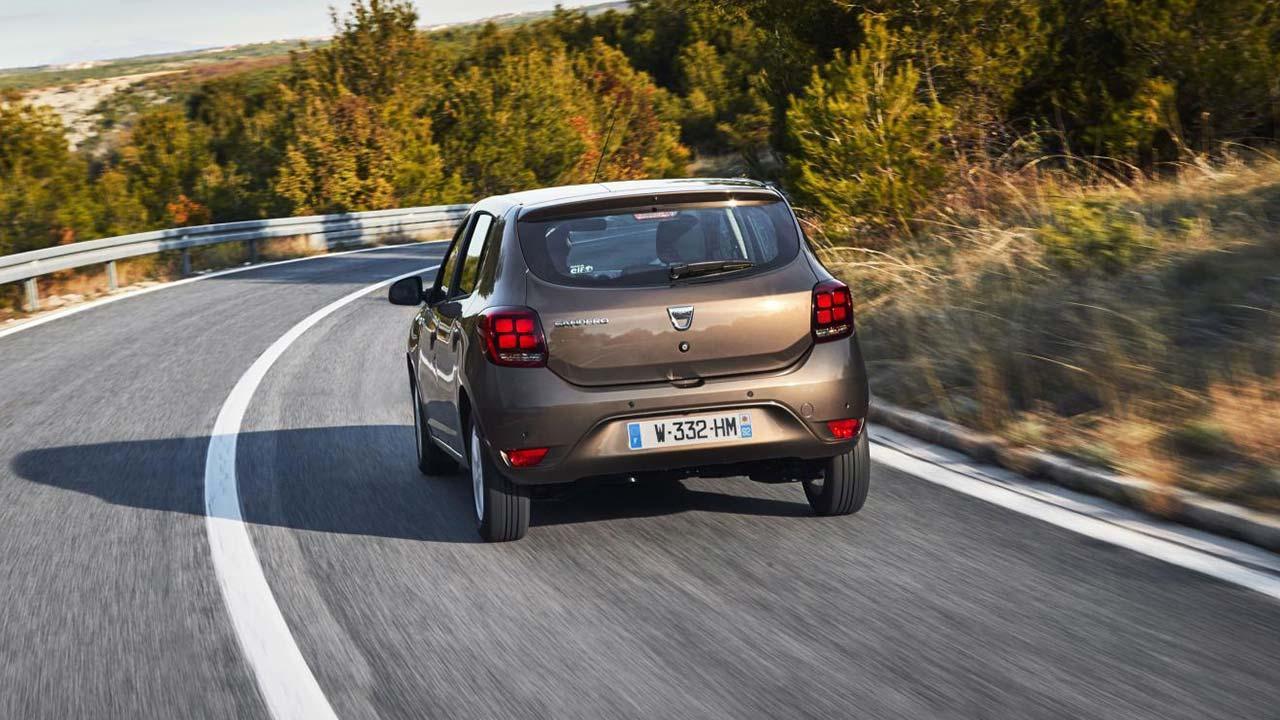 Dacia Sandero - in voller Fahrt