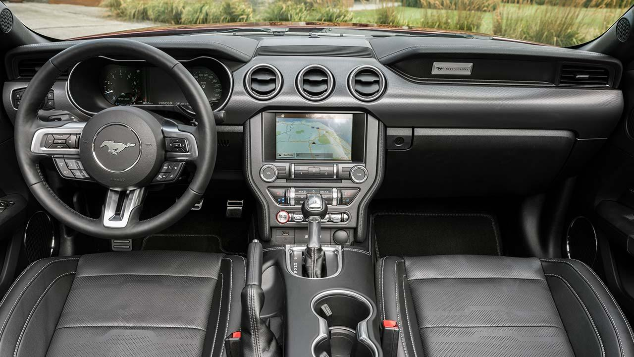 Ford Mustang - Cockpit