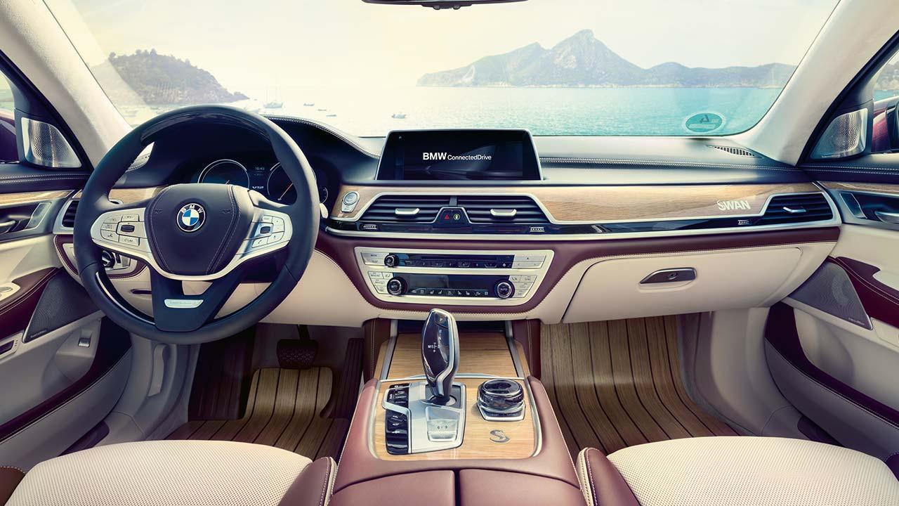 BMW M760 (2019) - Cockpit