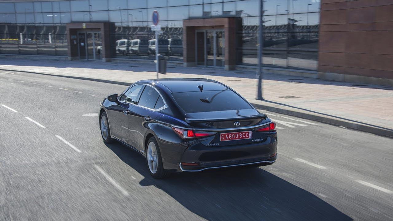 Lexus ES - in der Stadt