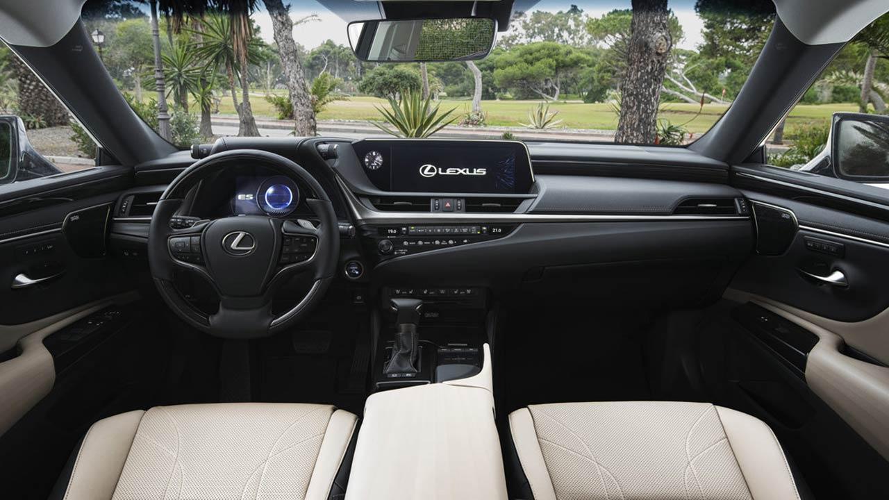Lexus ES - Cockpit