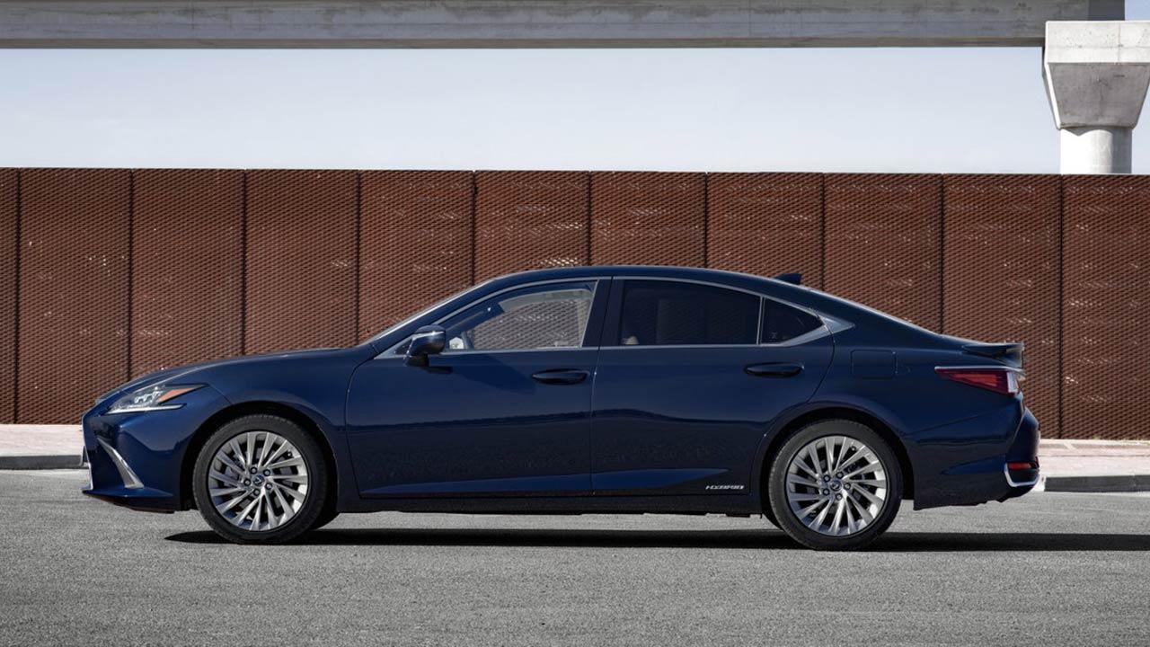 Lexus ES - Seitenansicht