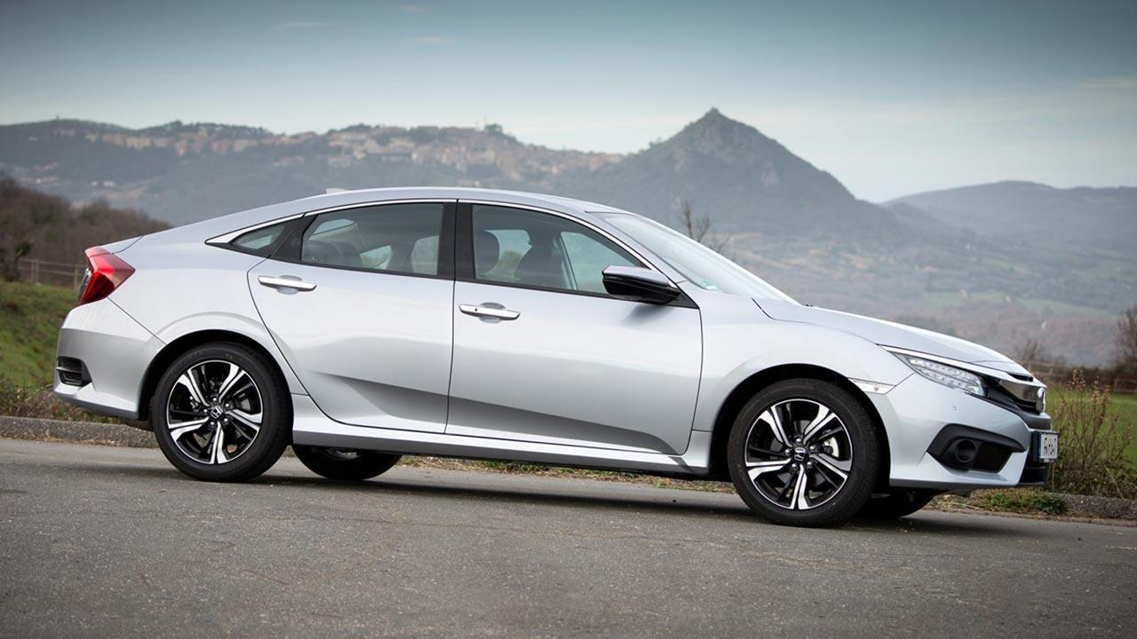 Honda Civic Limousine - Seitenansicht