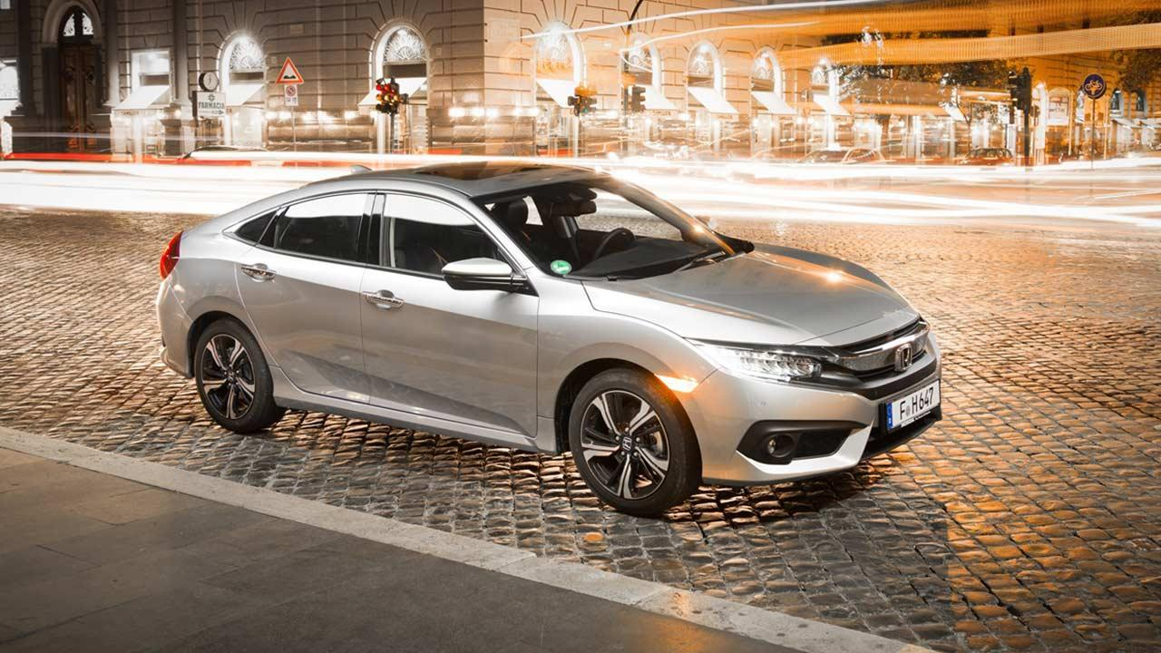 Honda Civic Limousine - in der Stadt