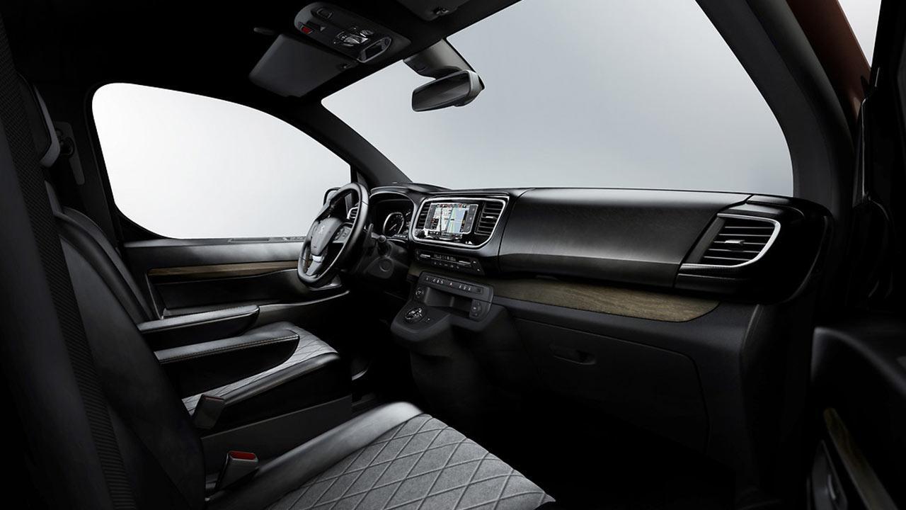 Peugeot Traveller - Cockpit